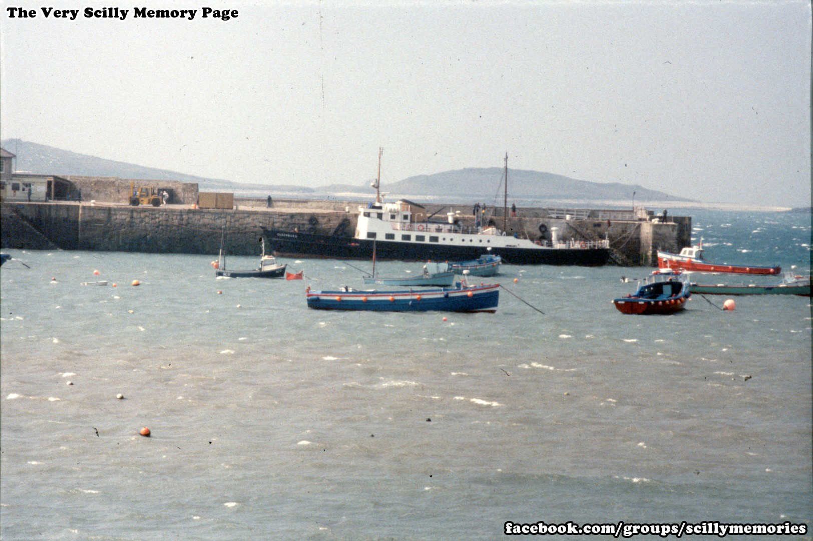 1992 MS Oldenburg on special charter to Scilly, St Mary's Historical Photo, Picture 2