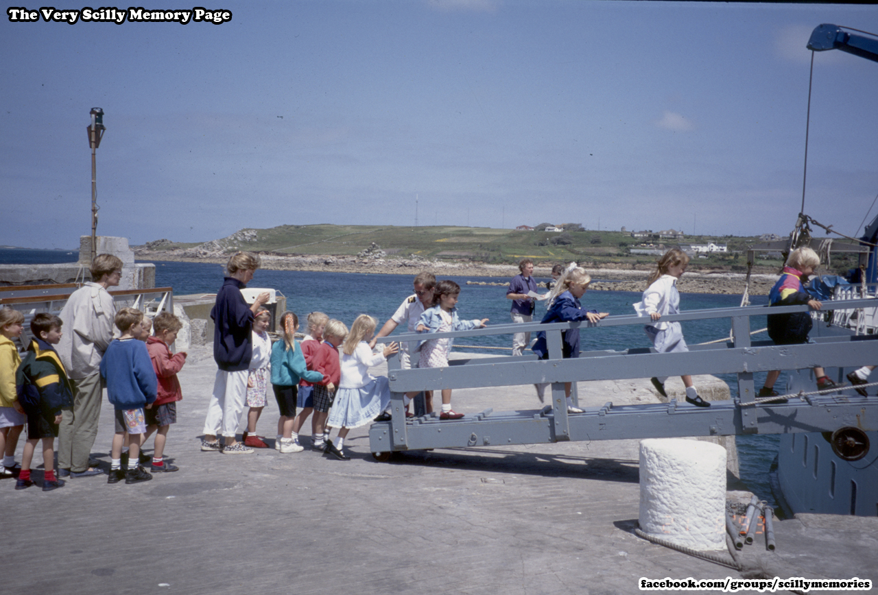1993, Tots TV on Scilly All At Sea, St Mary's