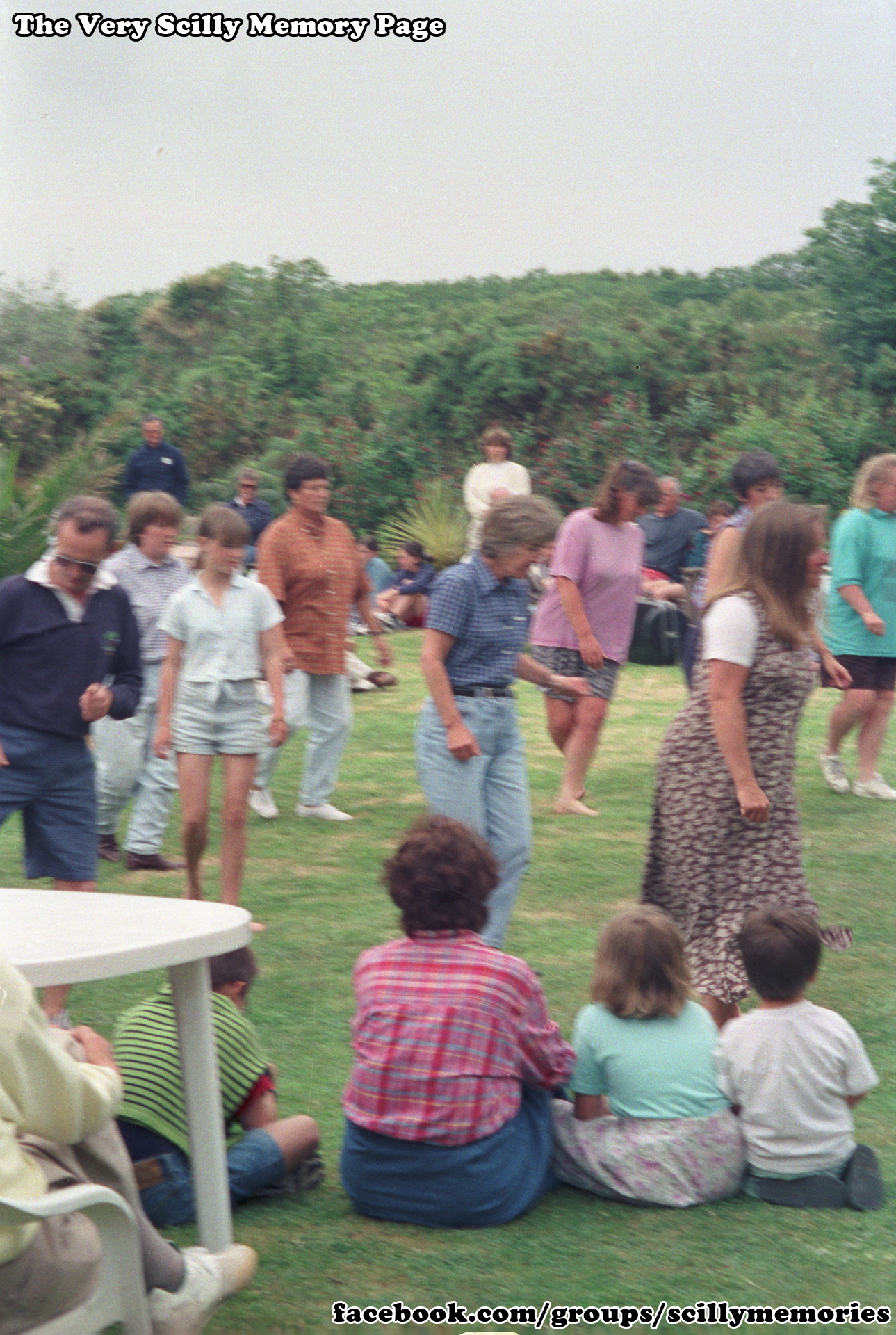 1998, Line Dancing and Music at Carreg Dhu Gardens, St Mary's